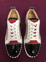 siyah tırnak modası toptan satış-2019 tasarımcı ayakkabı erkek sandalet moda lüks tırnak Loubou tasarımcı kadın ayakkabı Yeni teneke sıcak satış siyah sneakers kırmızı alt elmas