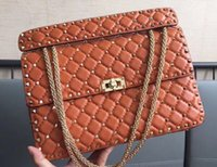 rebite de saco de grandes mulheres venda por atacado-Clássico da moda das mulheres de alta qualidade tamanho grande 30 cm Studs Rivet Flap saco Cadeia de couro genuíno bolsa de ombro designer