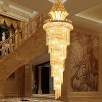 luces colgantes de hotel de lujo al por mayor-LLEVÓ Modernas Lámparas Colgantes Villa de Lujo Hotel Gran Ingeniería Cristalino Luz de Techo Oro Estilo de Europa Lámparas de Vestíbulo Sala de estar