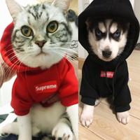 куртки для домашних животных оптовых-Pet Tide бренд Одежда для собак мода Плюс бархатная куртка с шляпой Печать на принте Собака пальто новый стиль оптом