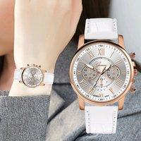 relógios de moda de plástico venda por atacado-Relógios mulheres moda feminina pulseira de couro mostrador de vidro fivela de fecho plástico caso relógio de pulso de quartzo analógico jam tangan wanitap4 0.86