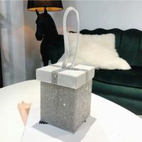 caja de diamantes de imitación embrague al por mayor-Marca Dreamy Shiny Rhinestone Box Bags Designer Women Bags Gift Box Bolso Boda Novia Embragues Monedero Totes 2019