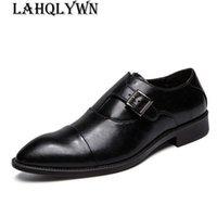 erkekler için burunlu ayakkabı toptan satış-Yeni Moda İş Erkekler Ayakkabı Yüksek Kaliteli Yumuşak erkek Yassı Ayakkabı Sivri Burun Siyah Toka Deri Ayakkabı H270