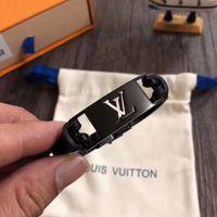 lederarmbänder für männer großhandel-luxuriöses echtes Leder mit Metall-Design und Markennamen für Frauen und Männer Armband aus Hochzeit Schmuck PS6337
