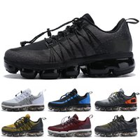 Wholesale running sneakers online - Top Quality Run Utility Black Reflect Silver Men Running Shoes Triple White Medium Olive Men Designer Shoes Sports Sneakers