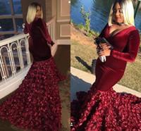 vestido de terciopelo floral al por mayor-Bunrgundy Velvet Plus Size Vestidos de baile 3D rosa sirena floral Sumergido Cuello en v Manga larga Vestidos de noche Vestidos de noche formales