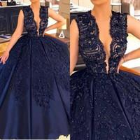 frisado modesto vestidos de baile venda por atacado-Azul escuro Puffy vestido de Baile Vestidos de Noite 2019 Modest Lace Appliqued Mergulhando V Neck Frisado Longo Prom Vestidos Formal Quinceanera Vestido BA9107