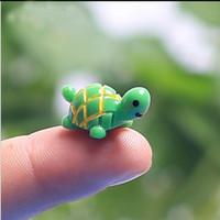 ingrosso mini figurine animali-Artificiale Carino Verde Tartaruga Animali Giardino Fatato Miniature Mini Gnomi Moss Terrari Resina Artigianato Figurine per la Decorazione del Giardino