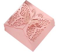 weiße laserschneiden einladungen großhandel-New 2019 Hochzeit Einladungskarten Spitze höhlen weiße Tinte Blauer Schmetterling Einladungen Einstecktuch Laser-Schnitt-Einladungs-Karten