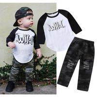 çocuklar için delikli pantolon toptan satış-Yürüyor Boys Denim Kamuflaj Elbise Bebek Erkek Kıyafetler Giyim Mektup Baskılı Uzun Kollu T-Shirt Streç Kamuflaj Delik Pantolon Pantolon