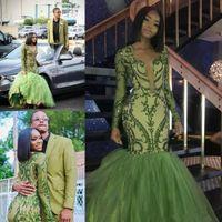 yeşil v yaka balo elbisesi toptan satış-Afrika Koyu Yeşil Mermaid Gelinlik Dantelli Etekler Aplikler Payetli Uzun Kollu Dalma V Boyun Abiye giyim Resepsiyon elbise