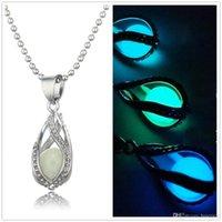 stein chocker halskette großhandel-Glow In The Dark Medaillon Halsketten Hollow Glowing Stone Anhänger Luminous Statement Chocker Anhänger Halskette