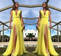 sarı elbiseler pilili toptan satış-Ucuz Sarı İlkbahar Yaz Kadın Durum Rahat Parti Elbiseler A Hattı Dalma Boyun Yan Bölmelerini Pleats Uzun Akşam Balo Abiye 2135