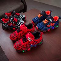 led ayakkabı flaşı toptan satış-3 Renkler Çocuklar Ayakkabı Süper Kahraman LED Kanca Döngü Bebek Ayakkabıları Çocuk Koşu Ayakkabıları Bebek Erkek Flaş LED Renkli Sneakers M357