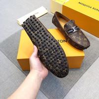 vestido de noche de zapatos burdeos al por mayor-18ss 2020 Diseñadores de la marca zapatos de vestir de cuero genuino de color borgoña zapatos de vestir de los hombres de Split Classic Toe Grooms Wedding Party Evening Socia
