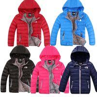 çocuklar kış bezleri toptan satış-Gençlerin Çocuk NF Marka Aşağı Ceketler Kuzey Tasarımcı Kışlık Mont erkek Kız Kapşonlu Dış Giyim Yüz Hafif Aşağı Giymek Açık Bez C8802