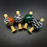 ingrosso parrucche chiare-28 millimetri US Colore curvo vetro parrucca Wag Bubble Cap Carb con flusso d'aria colorato Inversione luce fumatori Accessori vetro Carb Caps per il quarzo Banger