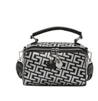 Wholesale womens luxury fashion purses online - Designer Luxury Handbags Purses Brand Famous Womens Bags Hot Sale New Arrival Multi Colors AAAa Quality Girls Female Luxury Handbag Fashion