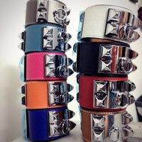braceletes de amizade couro feminino venda por atacado-2019 Moda pulseira para homens e mulheres sobrepostas pulseira de couro com rebite ampla h pulseiras jóias amizade pulseira pulseira
