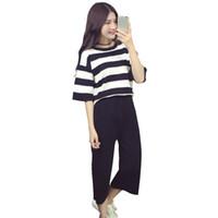 черные футболки с белыми полосами оптовых-Summer New Woman Wide Leg Pants Casual Student Girls Fashion Black-White Stripe T-Shirt Two-piece Set