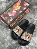 Wholesale new slippers sandals for sale - Group buy New Luxury Designer Mens Womens Summer Sandals Beach Slide Luxury Slippers Ladies Designer Shoes Print Leather Flowers Bee With Box