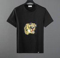 europäische männer s kleidung großhandel-Hochwertiges Modedesigner-Kurz-T-Shirt Herren-T-Shirt mit rundem Halsausschnitt im europäischen Stil 100% Baumwolle, kurzärmlige Herrenkleidung