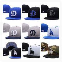 mavi monte edilmiş şapka toptan satış-Yeni Moda LA Kraliyet Mavi gömme şapka düz Ağız embroiered logo hayranları beyzbol Şapka boyutu LA sahada tam kapalı