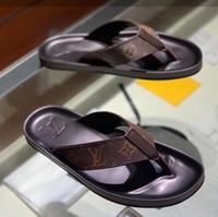 neue sommer-stil sandalen männer großhandel-G1053N Freies Verschiffen Sommer der neuen Art gute Qualitätslogo-Männer die Flipflopfußpantoffel-Sandelholze der Männer rutschfeste Gummischuhe 38-45