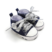 ingrosso pattino bianco della tela di canapa del bambino-Classic Canvas Neonato Satin Lace-Up Scarpe antiscivolo Toddler Soft Soled Primi camminatori + 1 Altro paio White Shoelaces