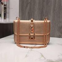 i̇ngiliz stili çanta toptan satış-Asil şıklık Marka seçim moda perçin altın ve pembe şerit profesyonel rahat İngiliz tarzı tek omuz çantası