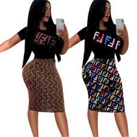 robes de créateurs achat en gros de-Créateur de mode pour femmes 2019 nouvelle arrivée pour l'été à manches courtes longueur au genou marque de mode lettre imprimé lambrissé robe deux couleurs S-2XL vente