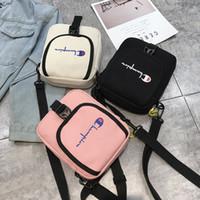 una bolsa de hombro para las niñas al por mayor-Mujeres Niñas Campeones Un bolso de hombro Bolso de diseñador Bolsos de mensajero de crossbody Ocio Deportes Viajes Playa Compras Paquetes Bolso de la cintura C426