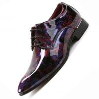 marca sapatos de festa homens venda por atacado-Homens Oxfords Marca Moda Lace-up Oxfords Formais, homens Sapatos De Casamento, homens Sapatos de Vestido Homens Apartamentos Preto Brogue Business Casual partido