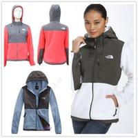 bayanlar rahat ceket üstleri toptan satış-Kuzey Kış Kadın Polar Ceketler Yumuşak Coats Patchwork Casual Marka Yumuşak Kabuklu Kayak Kapşonlu Ceket Lady WINDBREAKER Kapüşonlular C120403 Tops