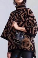 farbe jacquard-pullover großhandel-Vorfrühling neue Strickpullover F Buchstaben Jacquard passende Farbe Temperament V-Kragen 100-Runden-Pullover Langarm-Bluse Damenbekleidung