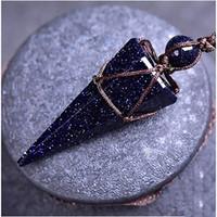 blaue stein seil halskette großhandel-Natürliche blaue Sandstein Halsketten Anhänger mit einem ganzen PC Hand geflochtenen Seil Energie Power Stein Kegelform Amulette