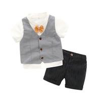 ternos brancos do oeste venda por atacado-Bonito Do Bebê Meninos Cavalheiro Ternos Camisas Brancas Coletes e Shorts Calças 3 pcs Define Moda Ocidental Crianças Roupas de Verão