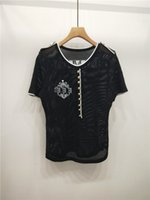 knopf damen t-shirt großhandel-Frauen Designer T Shirts Sommer Marke Tees Aushöhlen Atmungsaktiv Für Dame Luxury Frauen Dünne Taste FF Print Fashion Style Tops