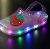 Wholesale jelly glow for sale - Group buy Summer Girls LED Sandals Jelly Sandals Girls Glowing Luminous Strawberry Banana Slippers Summer Non slip Hole Glowing Beach Sandal KKA7829