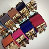 breite freundschaftsarmbänder großhandel-2019 Mode Armband für Männer und Frauen überlappende Lederarmband mit Nieten breit h Armbänder Schmuck Freundschaft Armband Armreif