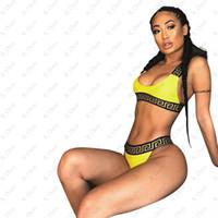 bikini ücretsiz nakliye seti toptan satış-Mektubu Baskılı Bikini Set Sarı Bikini Set Lady Hızlı Kuruyan Mayo Açık Beachwear Moda Mayo 2 adet / takım Ücretsiz kargo