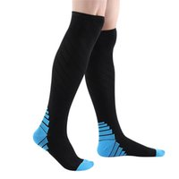 ingrosso calzini coscia uomini-Ciclismo Stocking Sock Gear Compression Socks For Men Miglior Laureato Athletic Fit calze sportive all'aperto coscia alta calze 3o10