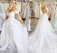 apliques de flores modernas al por mayor-Gorgeous 2019 vestidos de novia fuera del hombro flores hechas a mano una línea de tren apliques castillo vestidos de novia moderno barato Vestidoe De Noiva