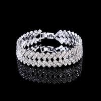 bracelets de diamants en argent achat en gros de-Amandabridal Argent / Or Cristal De Mariage Bijoux Bracelets Bracelets pour Femmes Costume Bijoux Cubique Zircone Diamant Bridal Chain Bracelet