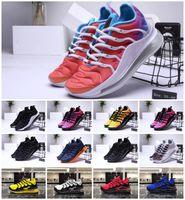 ingrosso cestini di vendita nera-Vendite 2019 New Chaussures Plus Tn Running Scarpe sportive Uomo Air Tn Sneakers Cestino Requin OG Ultra Black Bianco Designer donne scarpe da ginnastica