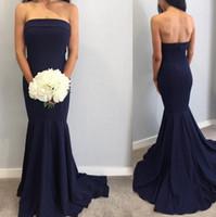 strapless vestido de coral de longitud del piso al por mayor-Vestidos de dama de honor de color azul marino Sirena sin tirantes Elegante dama de honor Vestidos Vestidos de invitados de boda hasta el suelo Hasta $ 70