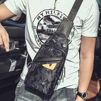 embalagem usb venda por atacado-2019 luxo famoso mens USB designer de carregamento Bolsas monstro mochilas bolsa Sac à principal peito de camuflagem pacote de sacos de bolsas crossbody 013