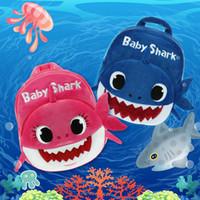grilles à jouets achat en gros de-Pinkfong Bébé Requin Sac À Dos En Peluche sacs Dessin Animé Mignon Animal Sac Fille Sac Pour Enfants Bonbons Mini Cartable Pour Enfants jouets
