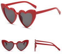 herz gläser rahmen großhandel-Mode Liebe Herz Frauen Sonnenbrillen Vintage FULL Frame Brand Designer für Damen Sonnenbrille 6 weibliche Shades schwarz braun