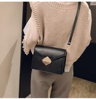 satılık kadın çantaları toptan satış-Yeni Sıcak satış Yeni Moda kadınlar tasarımcı çanta bayan Omuz Çantaları tote stil kadınlar casual mini zincir çanta kutusu ile